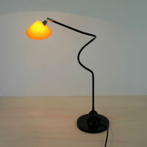 Dutch Design tafellamp/bureaulamp van Pola Design, Amstelveen, Holland