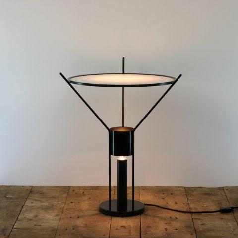 Minimalistische design tafellamp 'Sateliet'