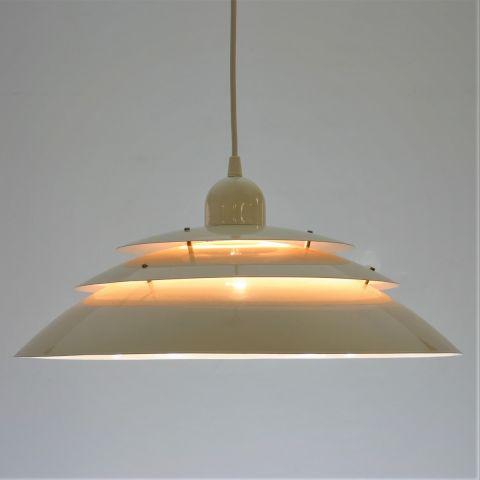 Schalen hanglamp Deens Design in Poulsen stijl.